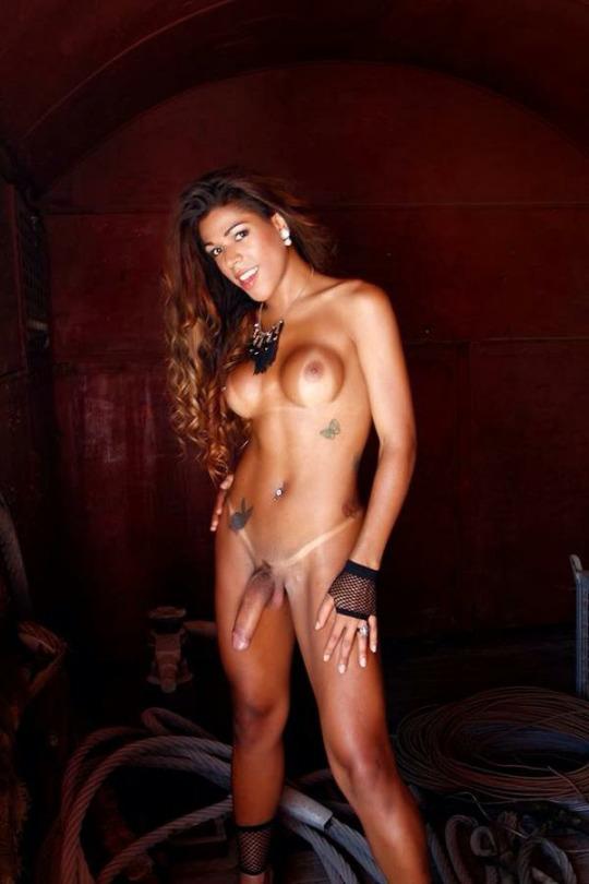 shemale hot veut du sexe sur le 43