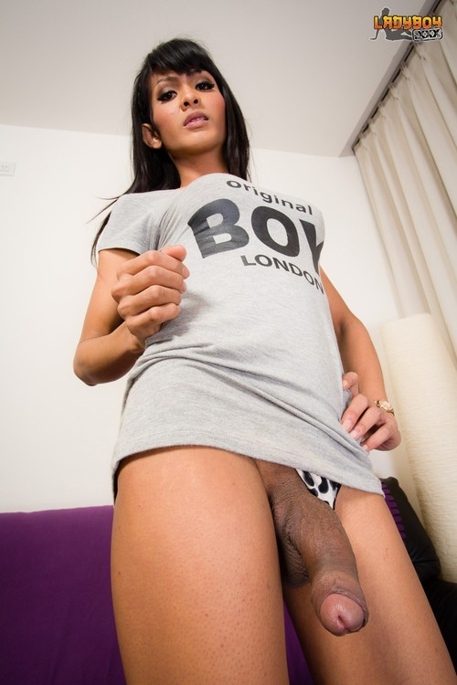 trans nude 085